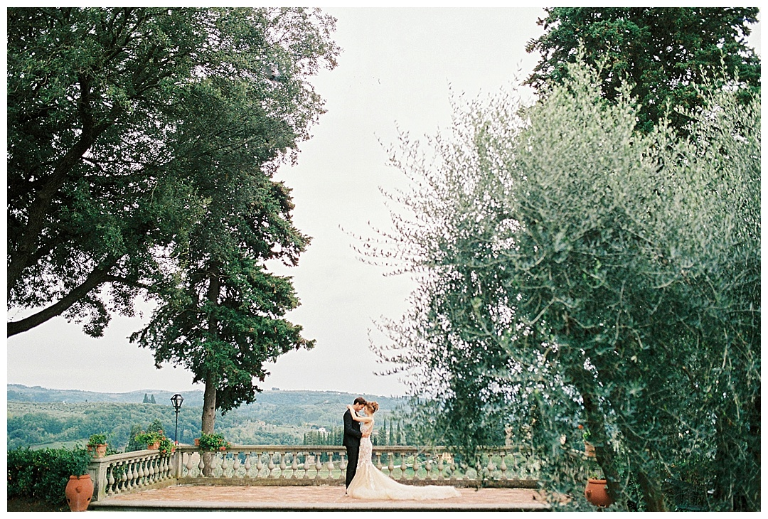 We_Can _Be_Heroes_alternative_wedding_photographer_Tuscany_wedding_film_0018