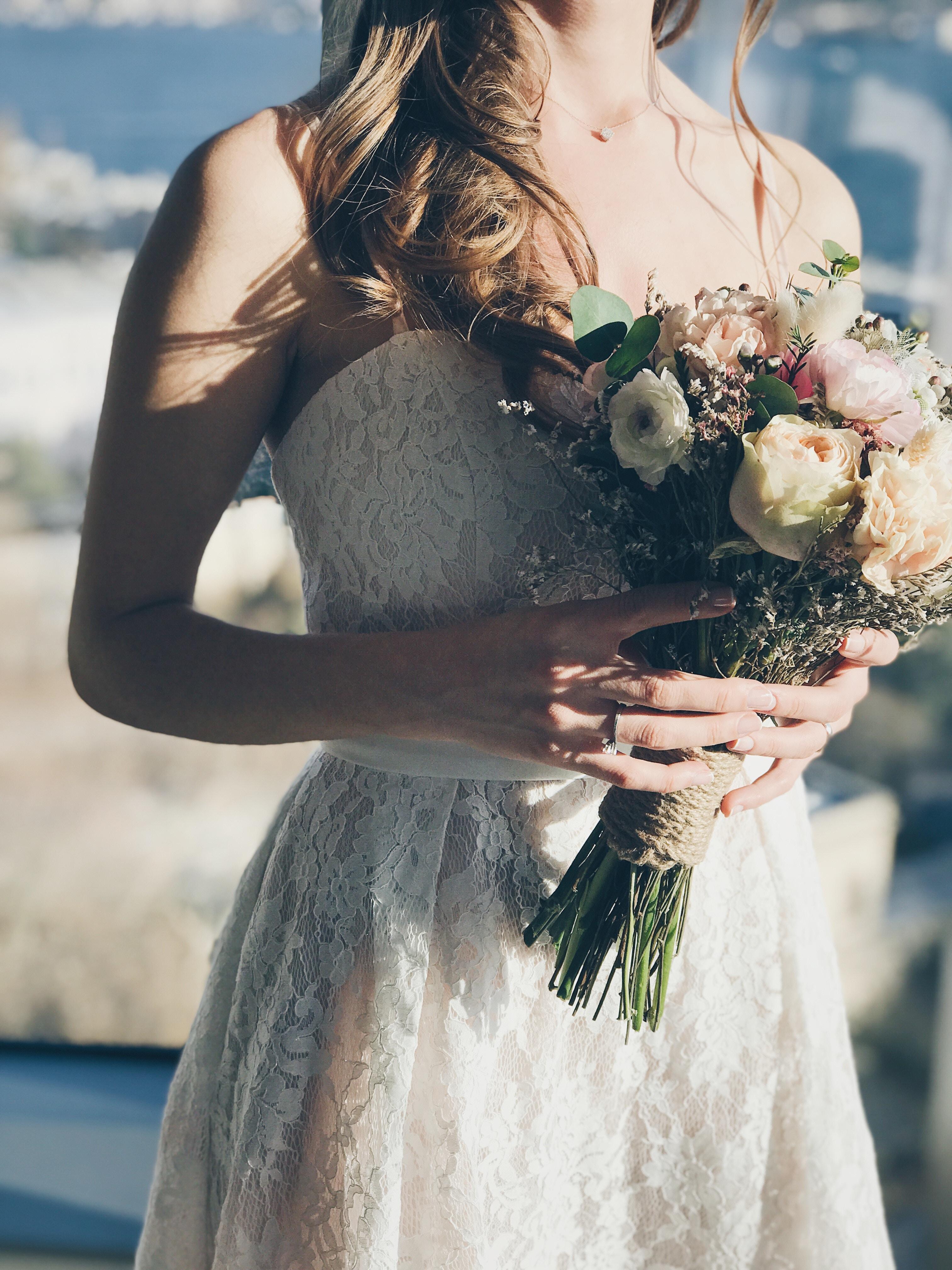 Alternatives to wedding dress shops